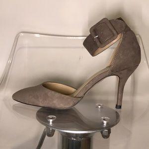 Shoes - ZARA faux suede kitten heels